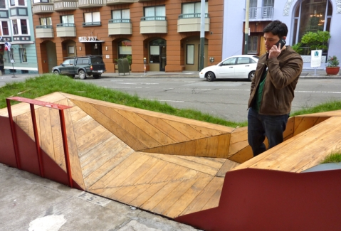 Parklet in front of Farm : Table on Post Street in San Francisco