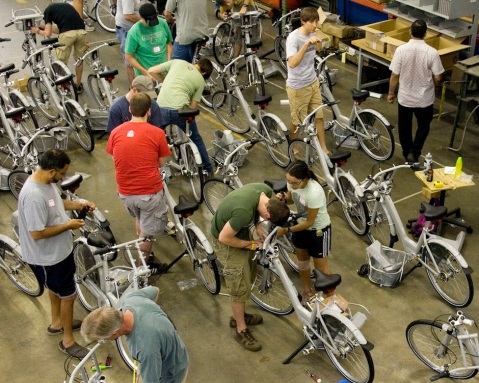 Kansas City residents build their own bike sharing network. Photo via This Big City
